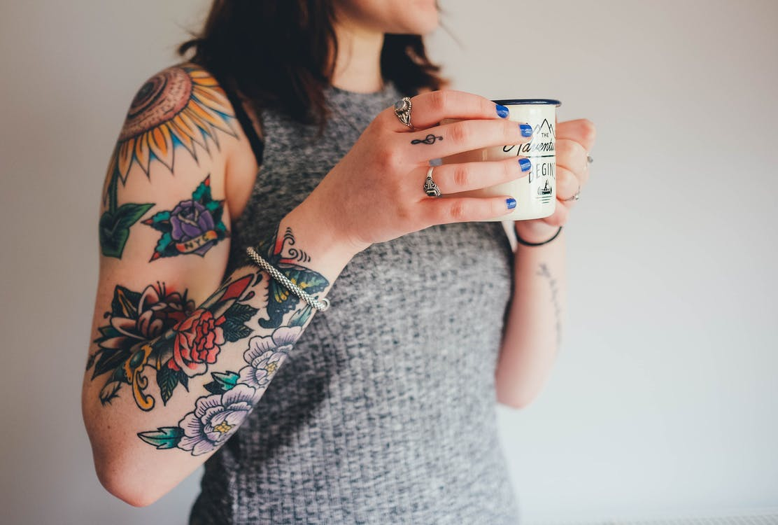Ultimate guide to tattoo aftercare make your tatt standout for Can i take a shower after getting a tattoo